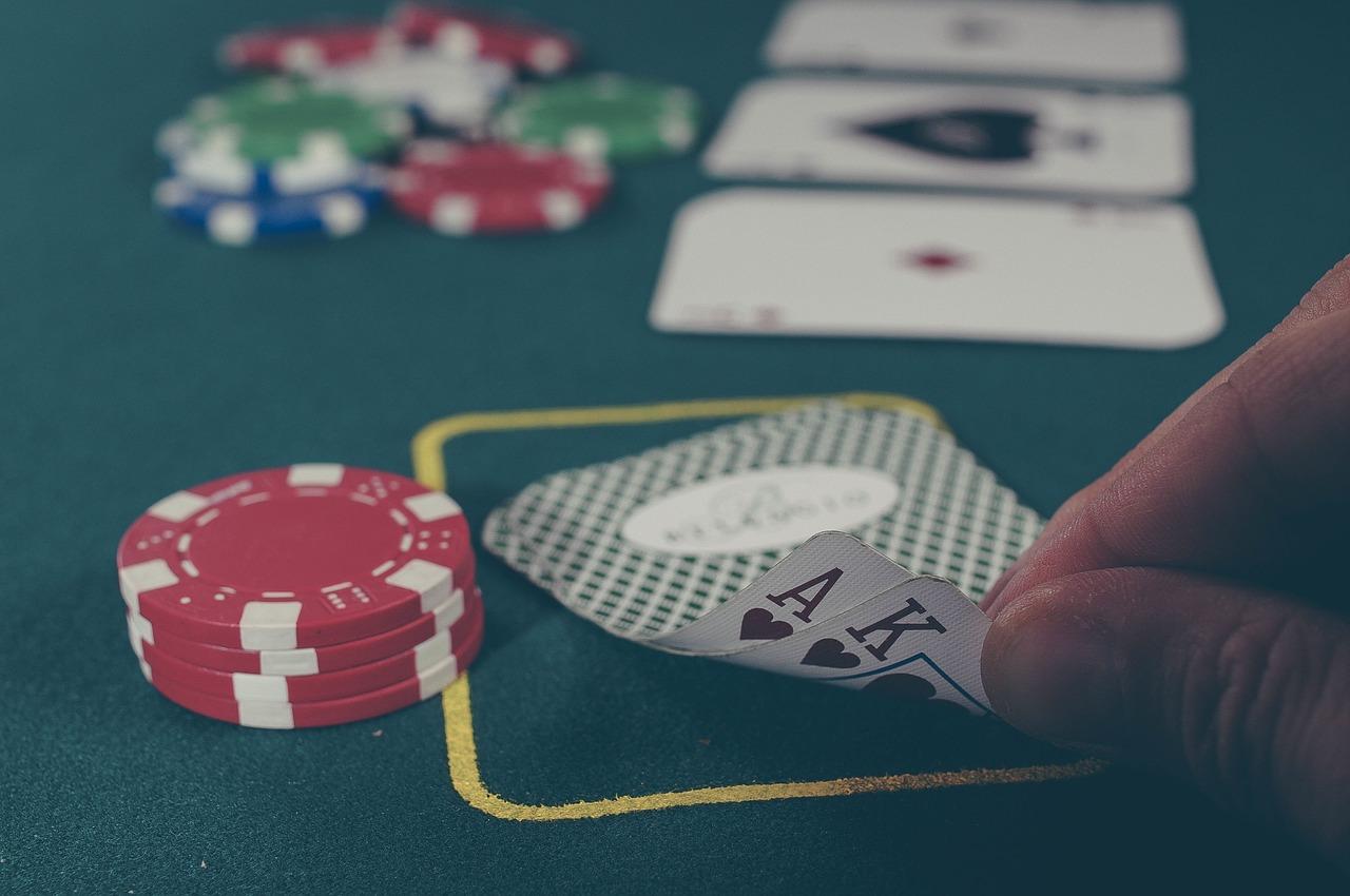Czym objawia się uzależnienie od gier hazardowych?