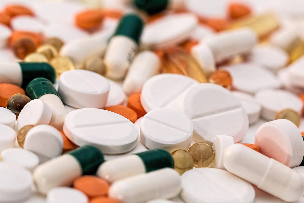Lekomania to poważna choroba – uzależnienie od leków. Lekomania statystyki, ciekawostki