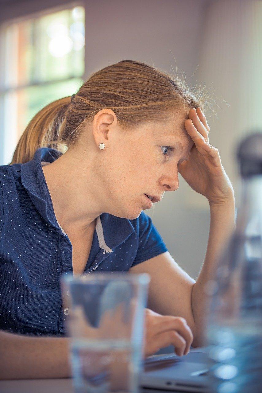 Podejmij skuteczną walkę ze stresem powodującym wzdęcia, wyzwól się od tego psychicznego tyrana.